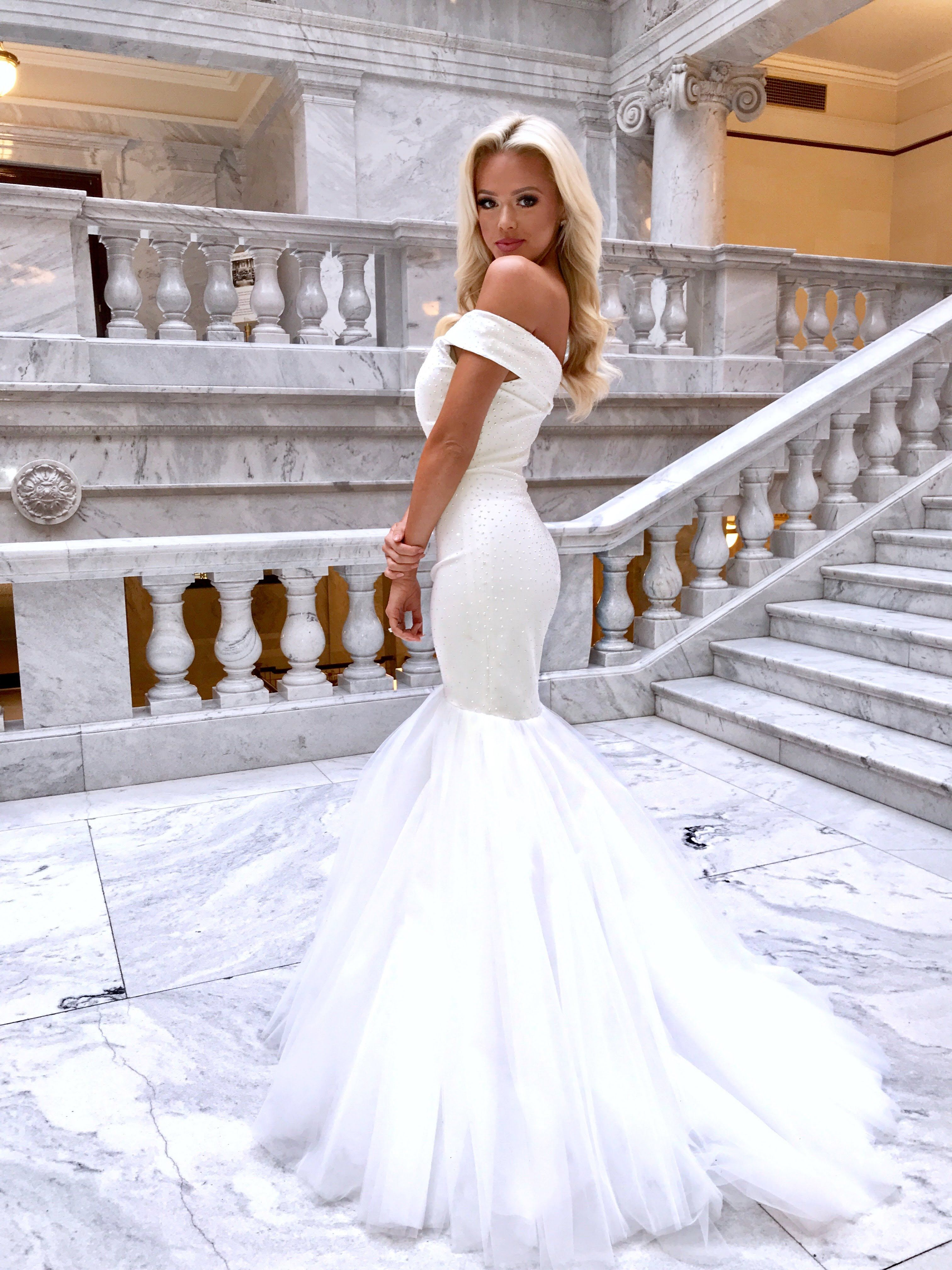 White fitted mermaid off the shoulder glamour ypsilon dresses prom