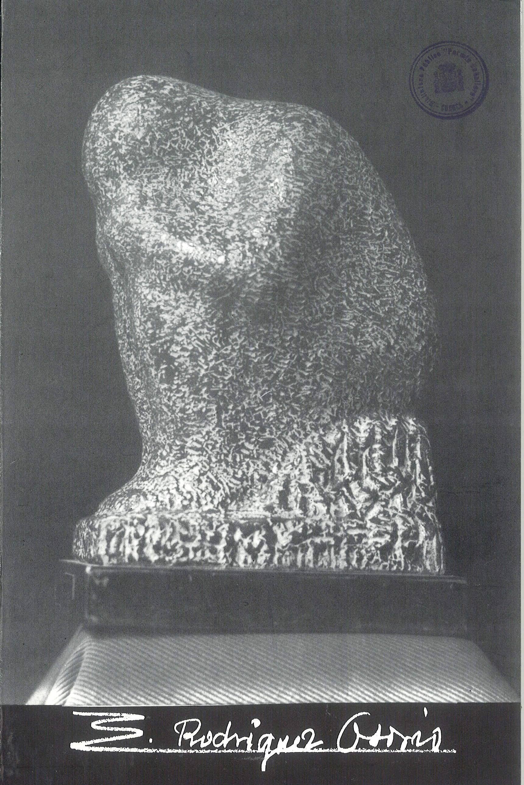 Esculturas de Eduardo Rodríguez Osorio en la Caja de Ahorros de Cuenca y Ciudad Real Junio 1985 #CajaAhorrosCuenca #Cuenca #EduardoRodriguezOsorio