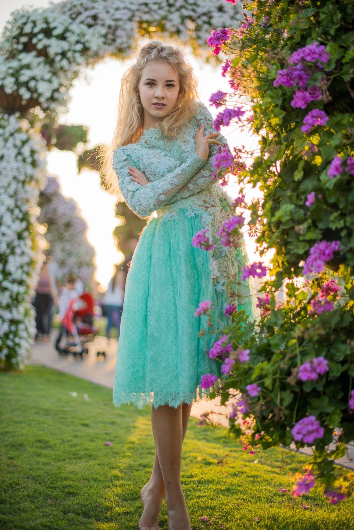 Modest Garden Dress | Knee Length Formal Dresses | Pinterest ...