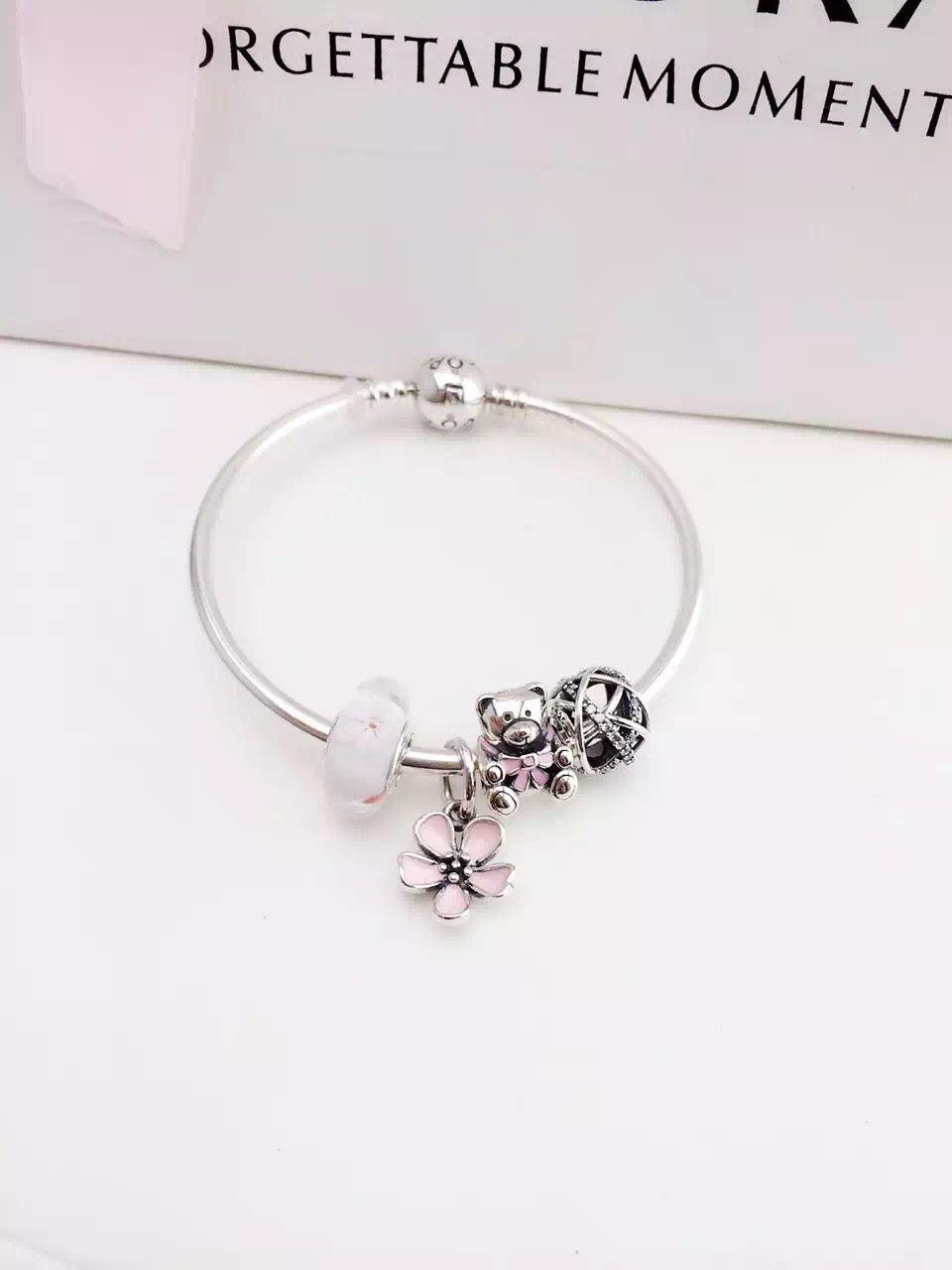 139 Pandora Bangle Charm Bracelet Pink Hot