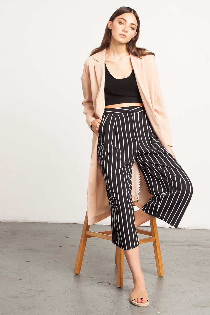 68888acb Striped Culottes - Cool pair of culottes in a modern black and white  stripes print. Pants feature a looser wide-leg design, has side pockets and  is pleated ...
