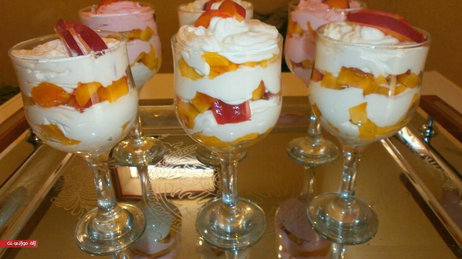 طريقة تحضير ديسير بارد بالياغورت والفواكه رائع واقتصادي المقادير نصف كيلو فاكهة الشهدية نصف كيلو فاكهة الخوخ كريم شانتيه ياغورت ف Food Desserts Pudding
