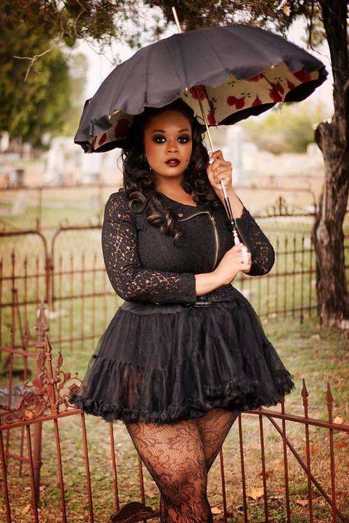 Model:Toya TenicePhotographer: Kelly Lambert