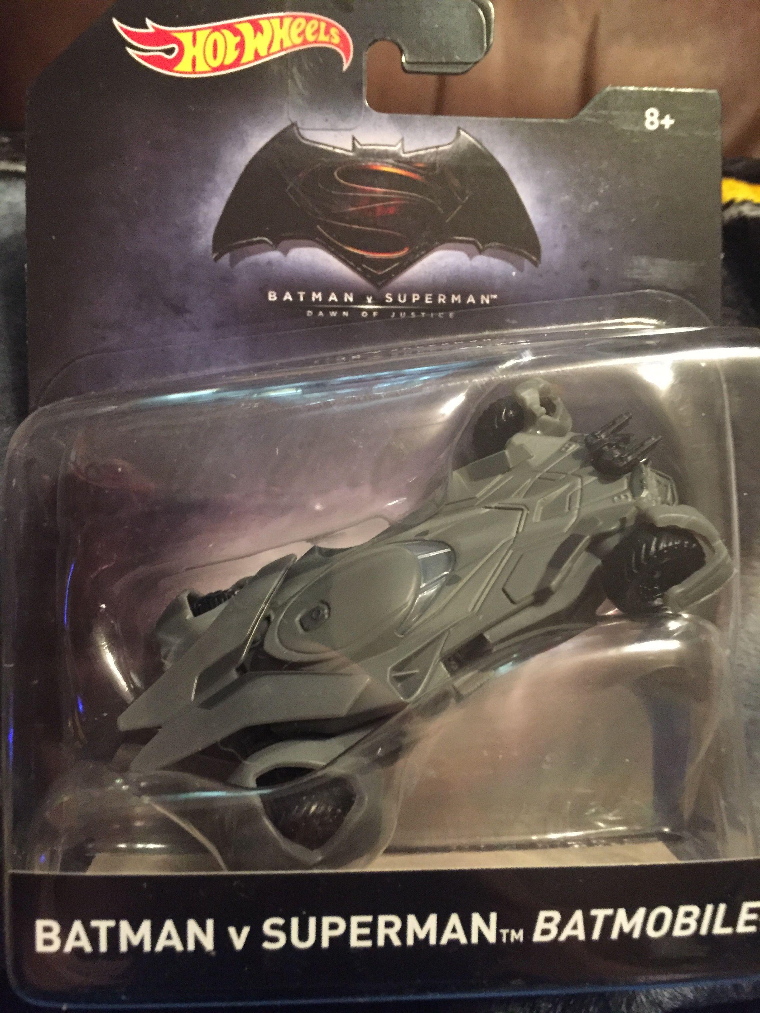 2016 Hot Wheels 1:50 scale Batman vs Superman Batmoblie
