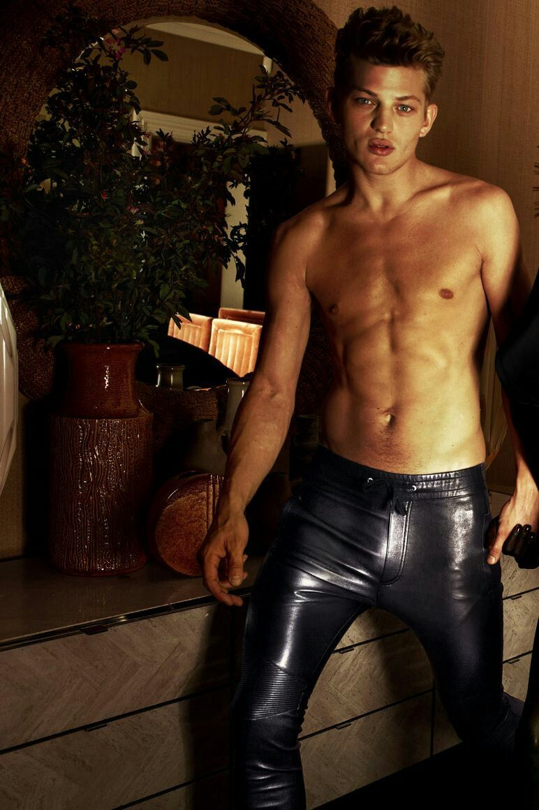 Pin by Steven Stanley on Leder   Mens leather pants, Tight