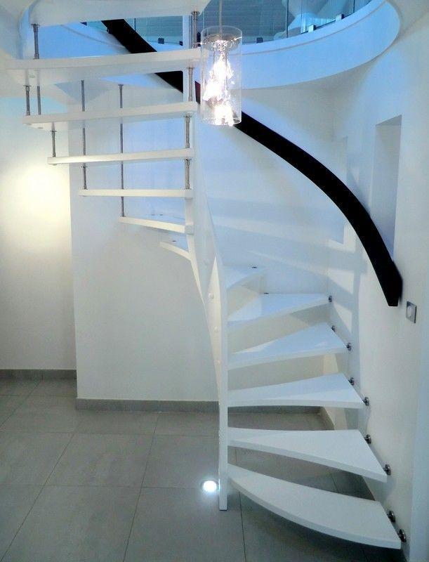 Escalier Suspendu Debillarde Laque Noir Et Blanc Escalier