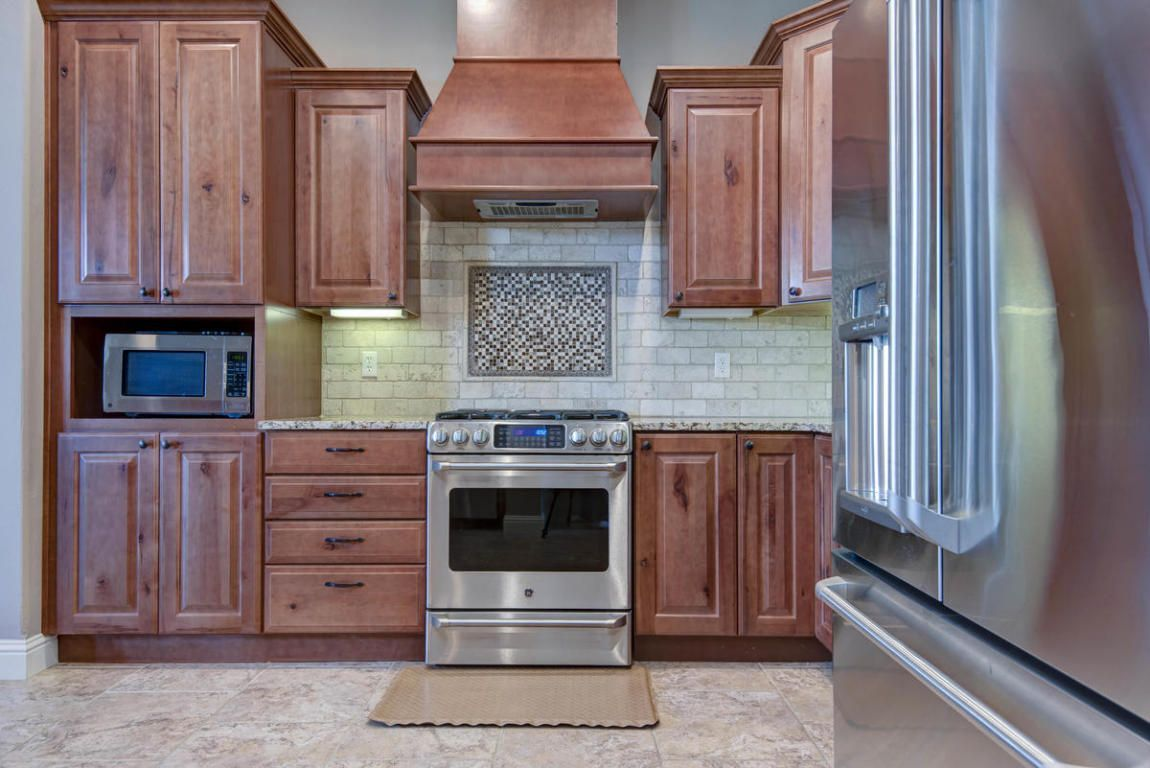 Superieur 3292 West Rivulet Pass Springfield, MO Kitchen Cabinets, Kitchen Cabinetry,  Kitchen Base Cabinets