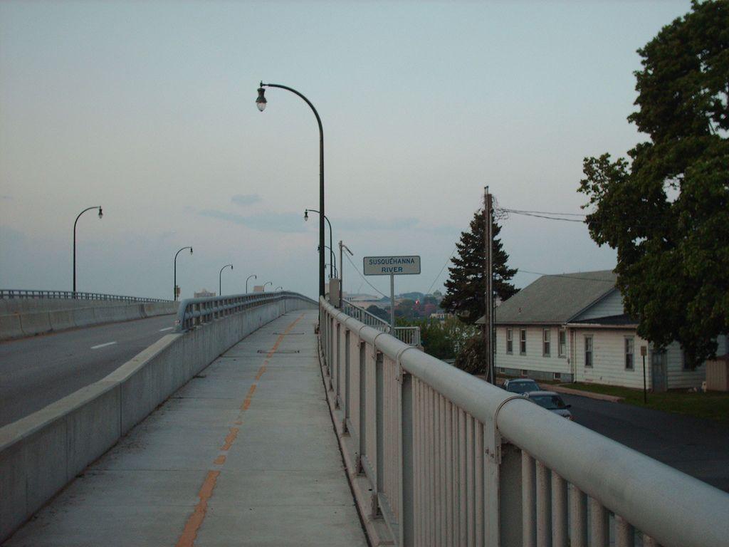 Harvey Taylor Ba ba b\'-ridge | Bridge and City
