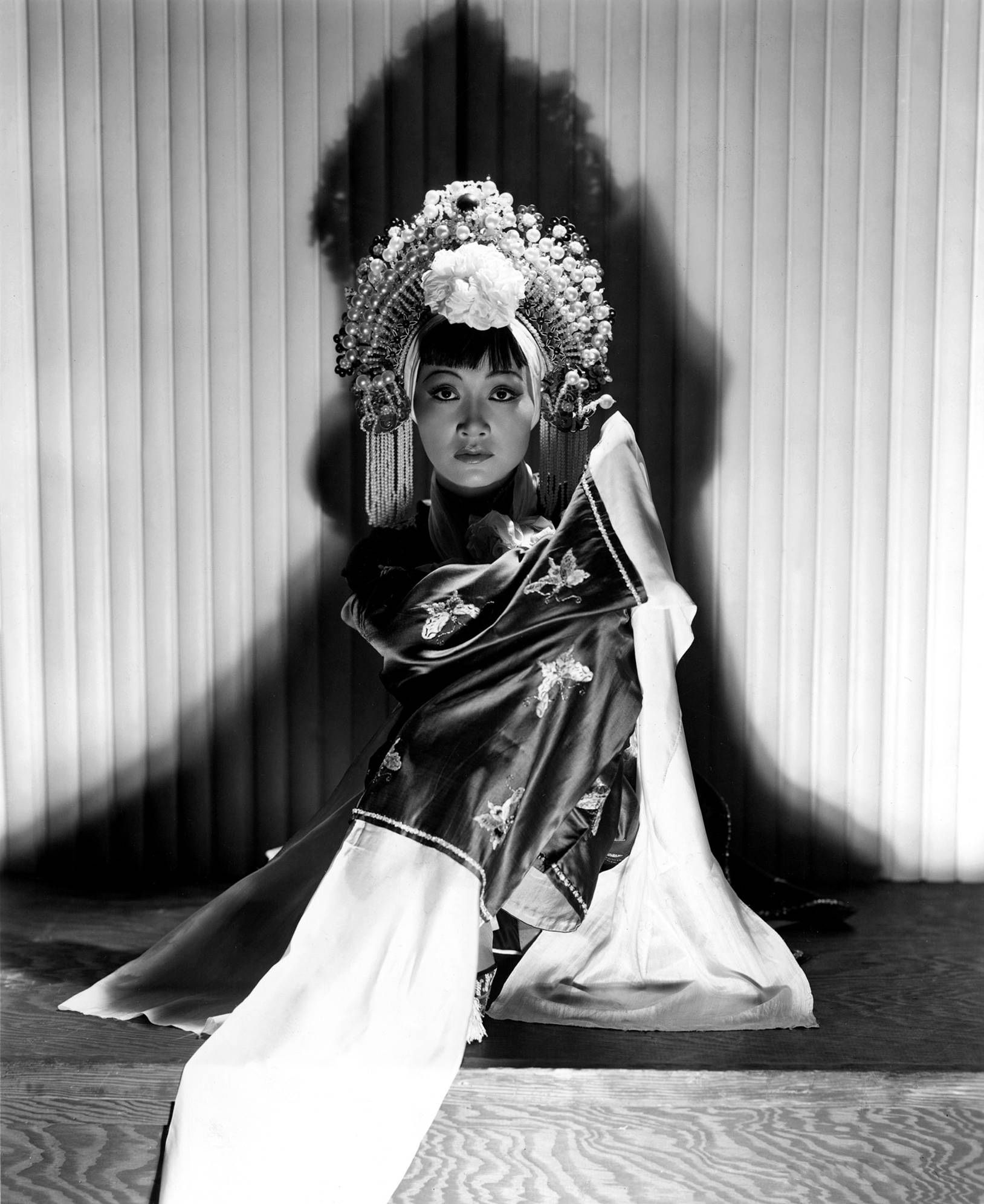 Portrait of Anna May Wong in Daughter of the Dragon ...