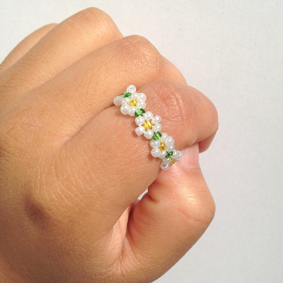 Dainty Rings Set of 3 Stretch Rings White With Silver Flower Multichrome Rings Simple Rings Tiny Stretch Rings