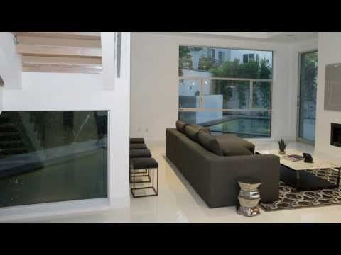 This brand New Ultra Modern Contemporary Home truly brings a new ...