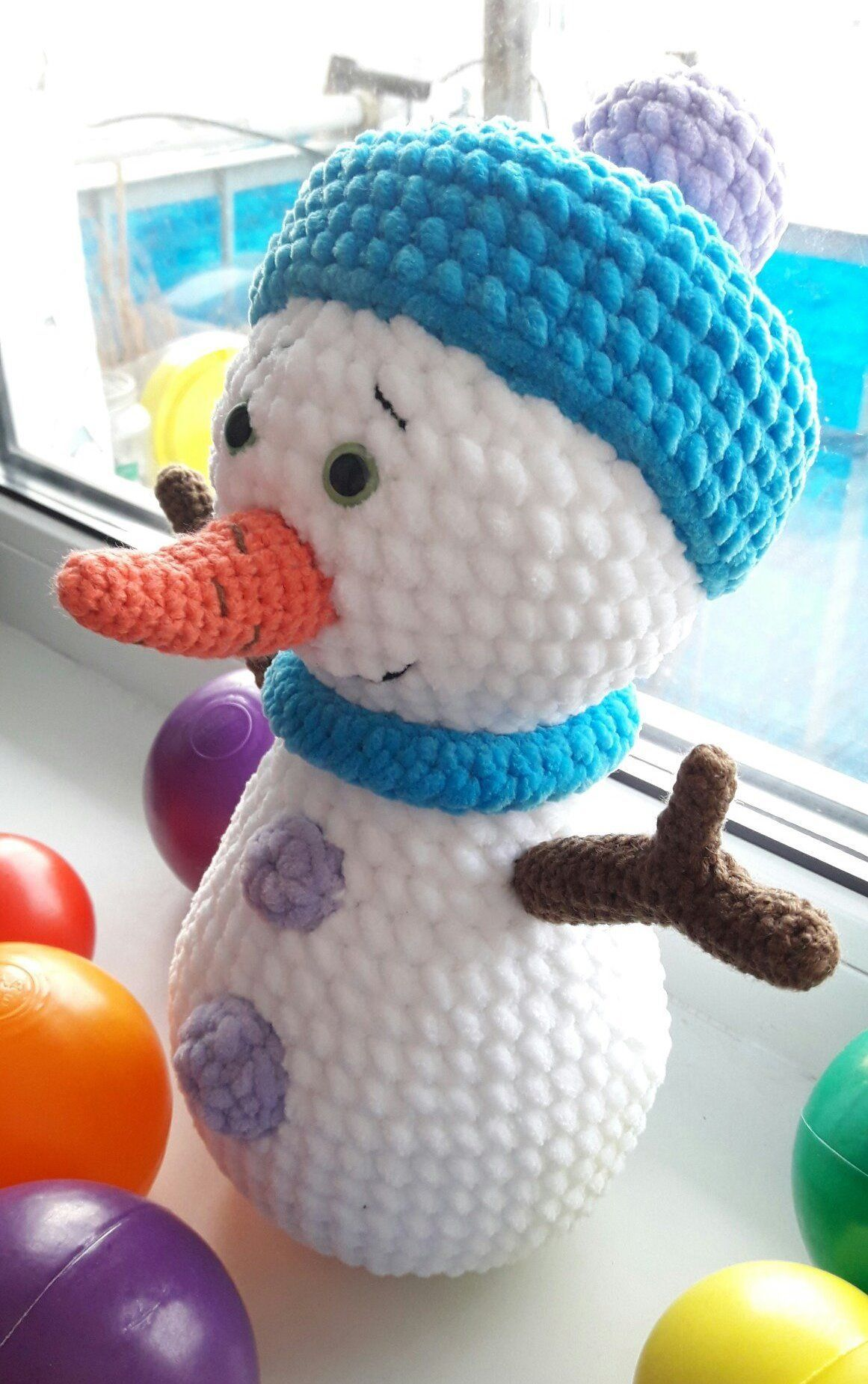 Snowman Amigurumi - Free Crochet Pattern - StringyDingDing | 1850x1161