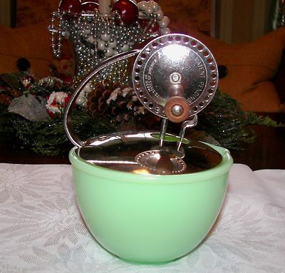 Vintage McKee Jadite 4-1/4 inch Child's Egg Beater Bowl!  Glory & Grace Antiques on eBay http://www.ebay.com/itm/271119037204