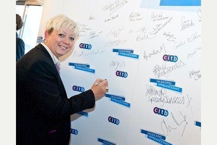 Thurrock MP Jackie Doyle-Price backs #construction #apprenticeships -