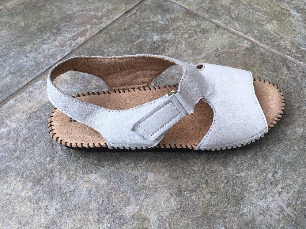 e3533a91ff11 NEW Naturalizer Scout White Sandals Size 8M  fashion  clothing  shoes   accessories  womensshoes  sandals (ebay link)