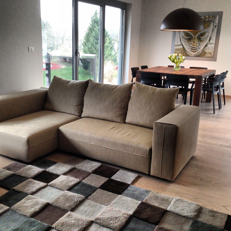 Molteni & co Freestyle sofa Ron Arad carpet Flos Skygarden lamp