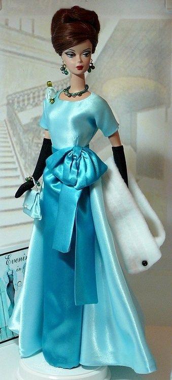 Barbie in blue a la Jackie..12.16.5 qw
