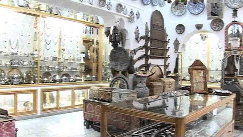 Silver Jewelry Bazar - Tangier, Morocco - moroccan silver jewelry - http://jewellery.chitte.rs/silver-jewelry/silver-jewelry-bazar-tangier-morocco-moroccan-silver-jewelry/