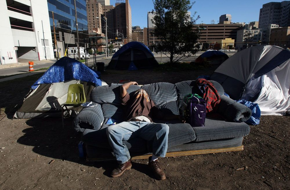 A Homeless Man In 2008 Sleeps Beneath Interstate 10 In New Orleans Where Hundreds Of Homeless People Sleep Each Night Ma Homeless Homeless Person New Orleans