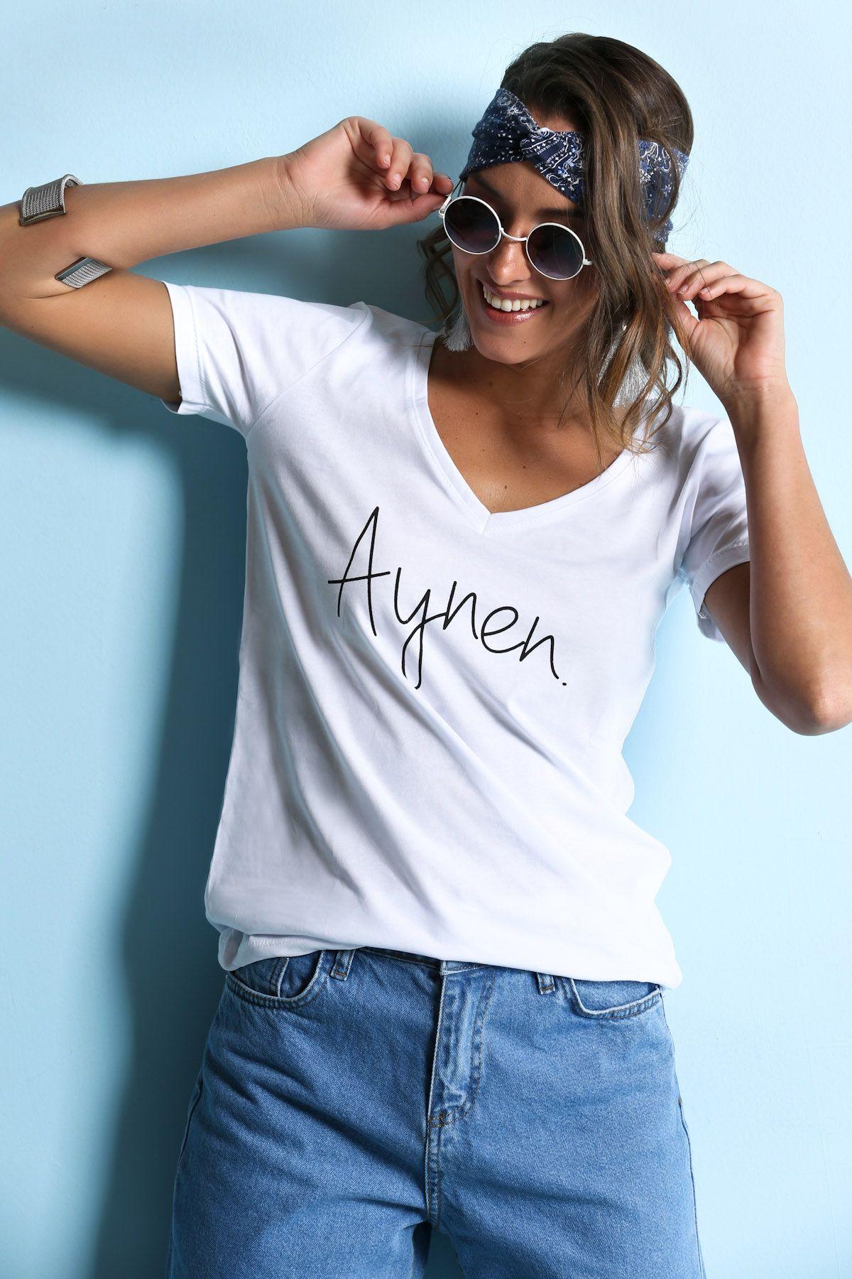 Yazili V Yaka Tshirt 19 99 Tl Bildigimiz Gibi Son Donemlerde Yazili Tisortler Cok Populer Ama Siz Ingilizce Degilde Turkce Yazili Bir T Moda Kadin Giyim Giyim