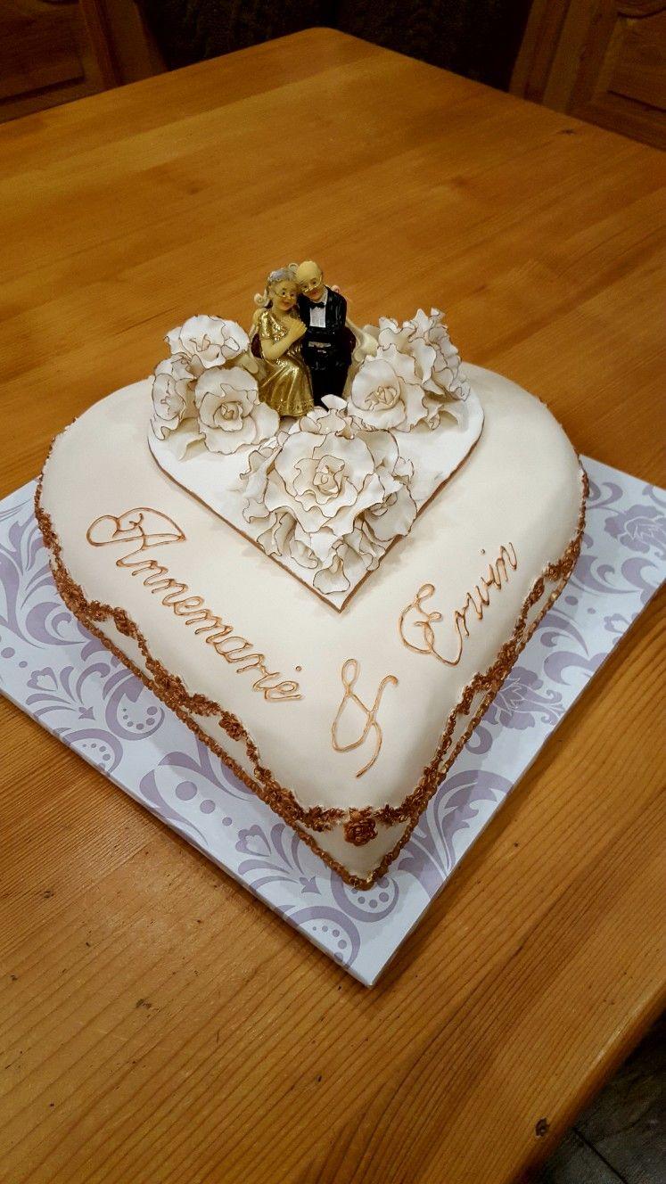 Torte Zur Goldenen Hochzeit Golden Wedding Torte Zur Goldenen Hochzeit Elegante Torten Hochzeitstorte