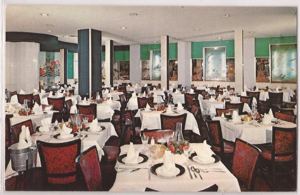 "New York City Postcard ""McGinnis' of Sheepshead Bay"" Restaurant Interior C1950s 