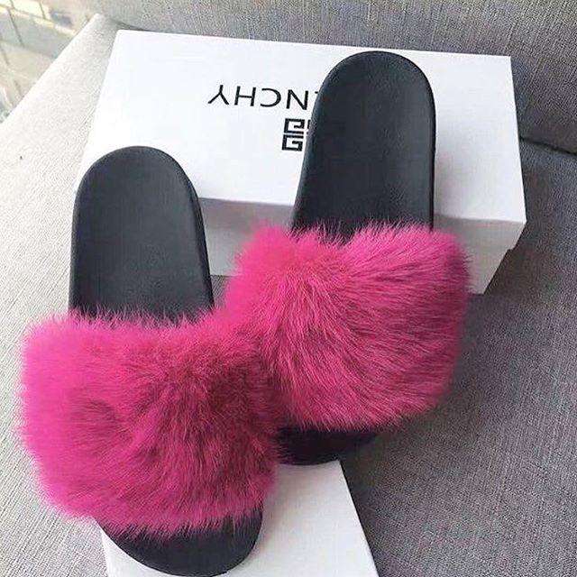 "Photo of Billion Woman on Instagram: ""💕 via @luxury.ch – – – #givenchy #slides  #zürich #fashionable #fashionblog #fashionista #fashionblogger #mensfashion #menstyle #menshair…"""