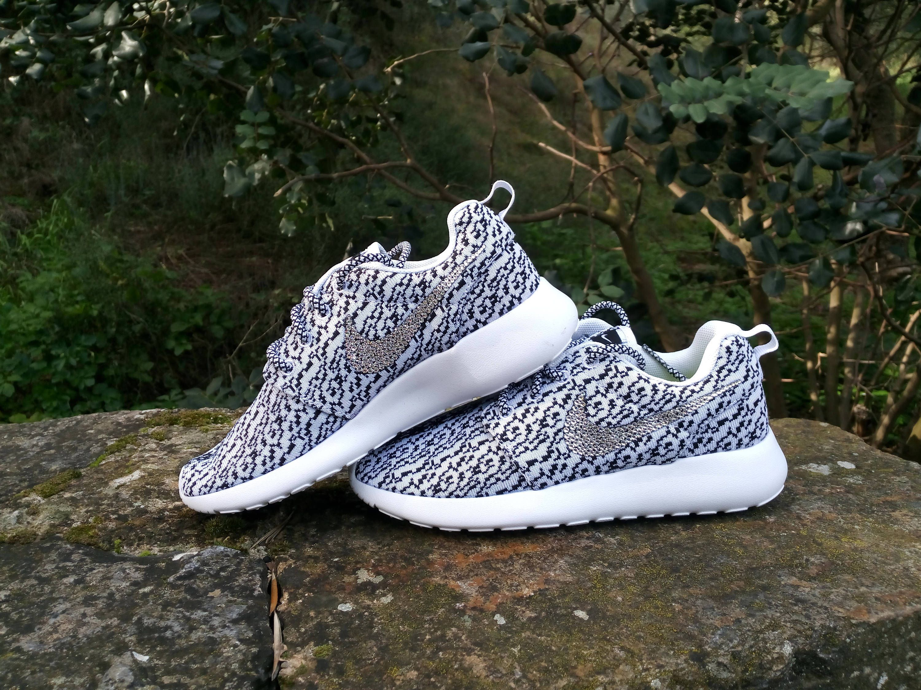 Coutume Nike Roshe Courir Boost Yeezy 350 Oreo