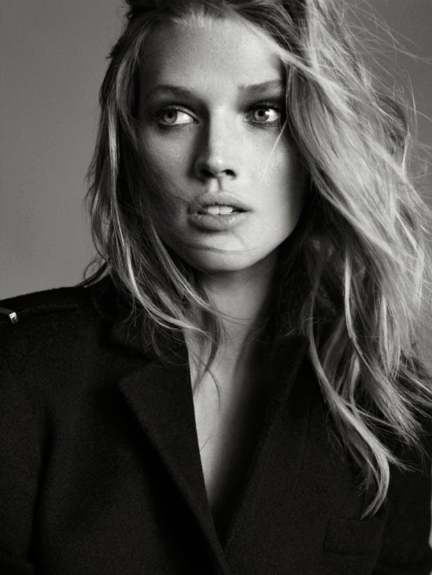 Antonia Toni Garrn Nude Photos 4