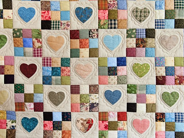 Green and Multicolor Hearts and Nine Patch Quilt Photo 3 ... : quilts with hearts - Adamdwight.com