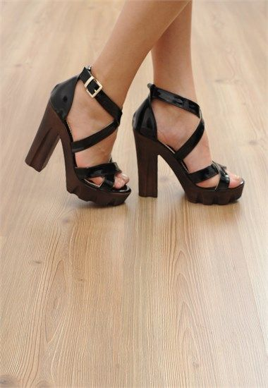 a6a7f33beaa1b Siyah Rugan Platform Topuklu   Platform Topuklu Ayakkabı Modelleri ...