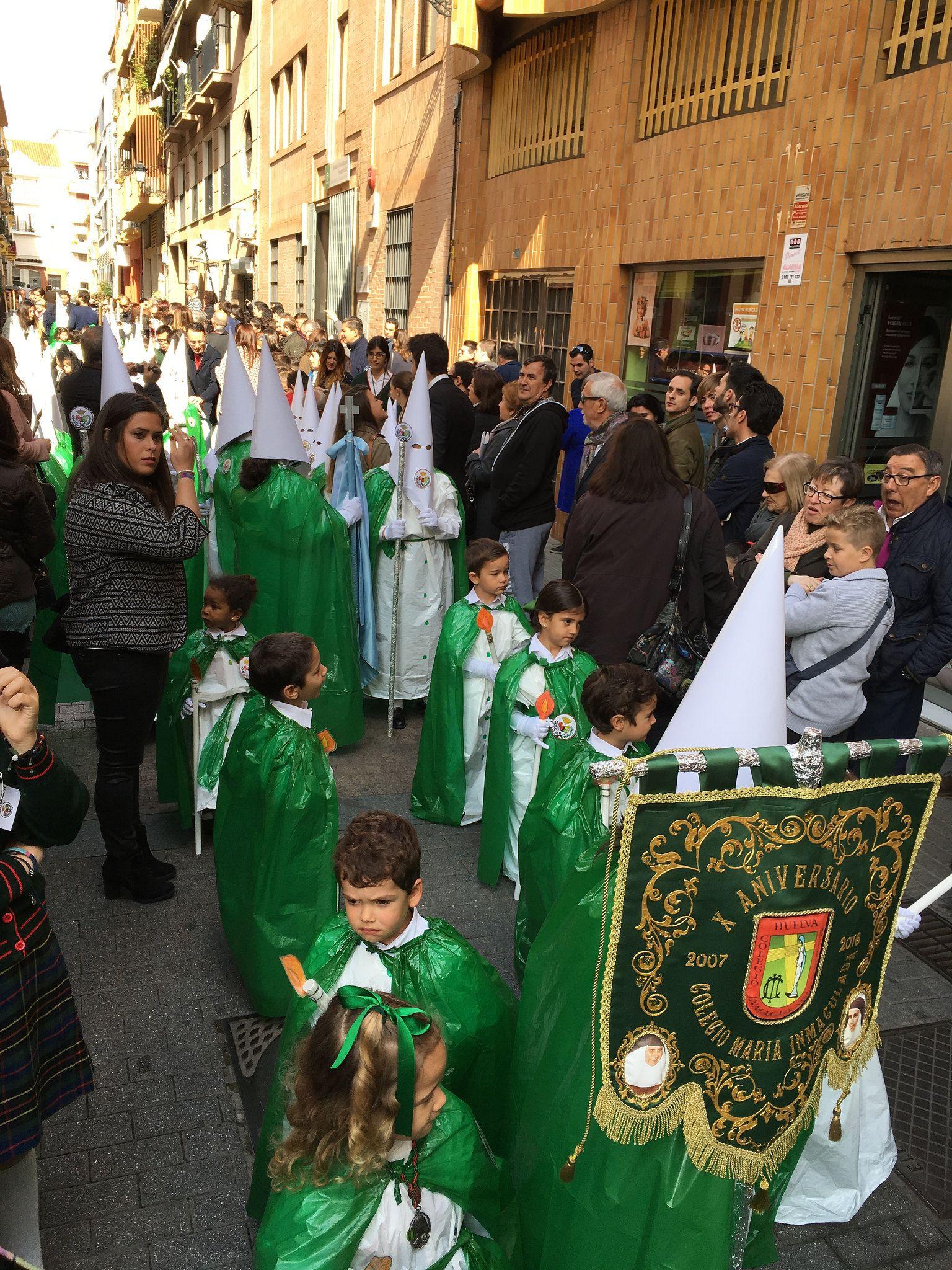 https://flic.kr/p/EtqPnz | Procesión de los Niños del colegio de las Hermanas de la Cruz Huelva.
