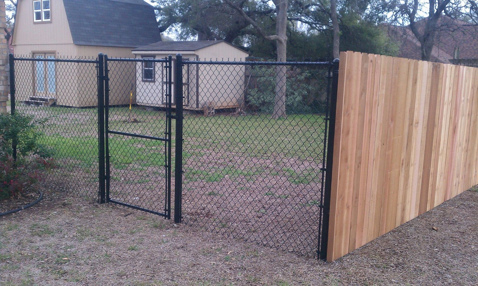 Pin By Juan Caro On Ideas In 2020 Diy Privacy Fence Chain Link