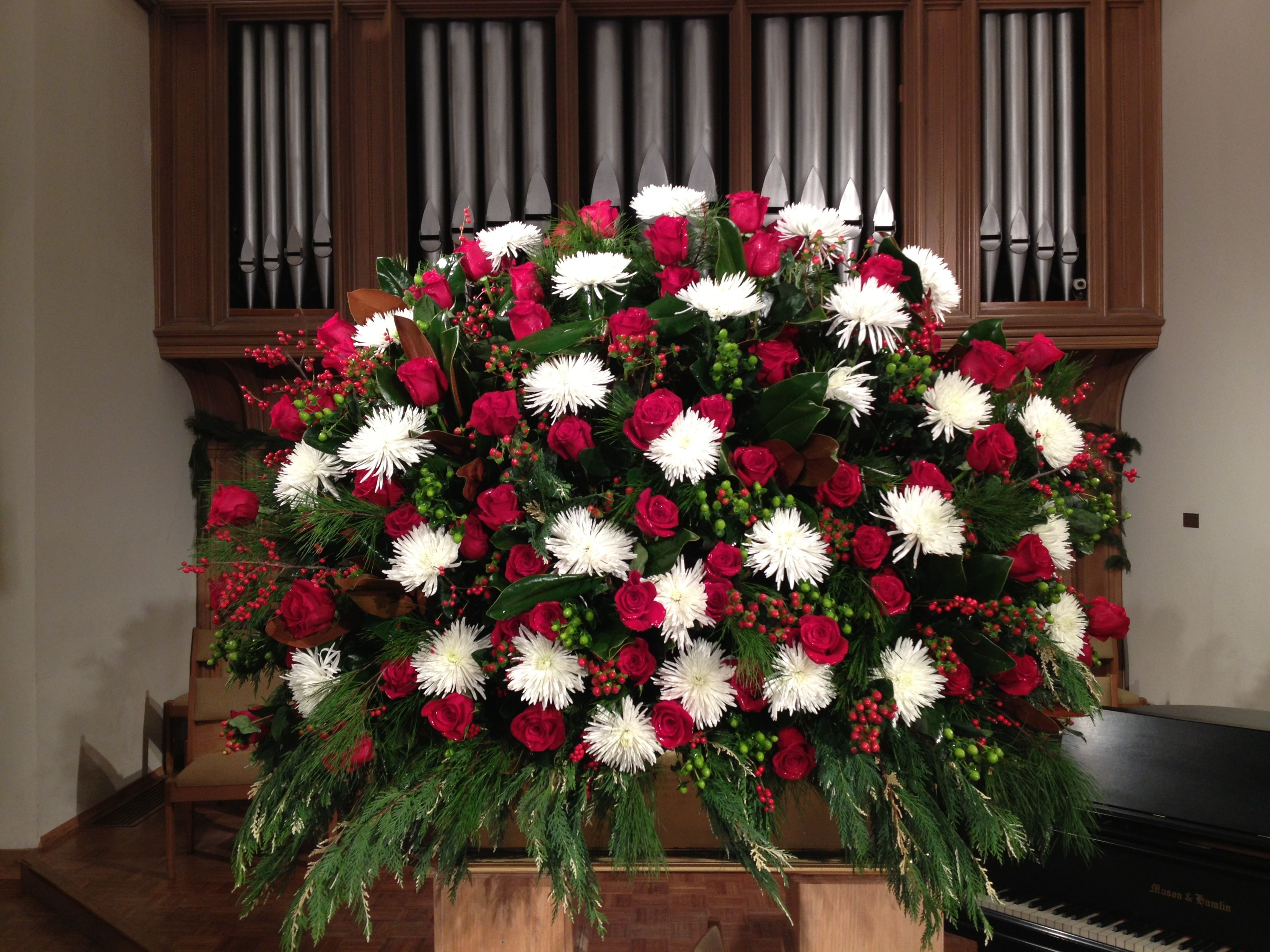 Christmas Altar White Spider Mums And Red Roses Green Hypericum Berries Church Flower Arrangements Altar Arrangement Church Flowers