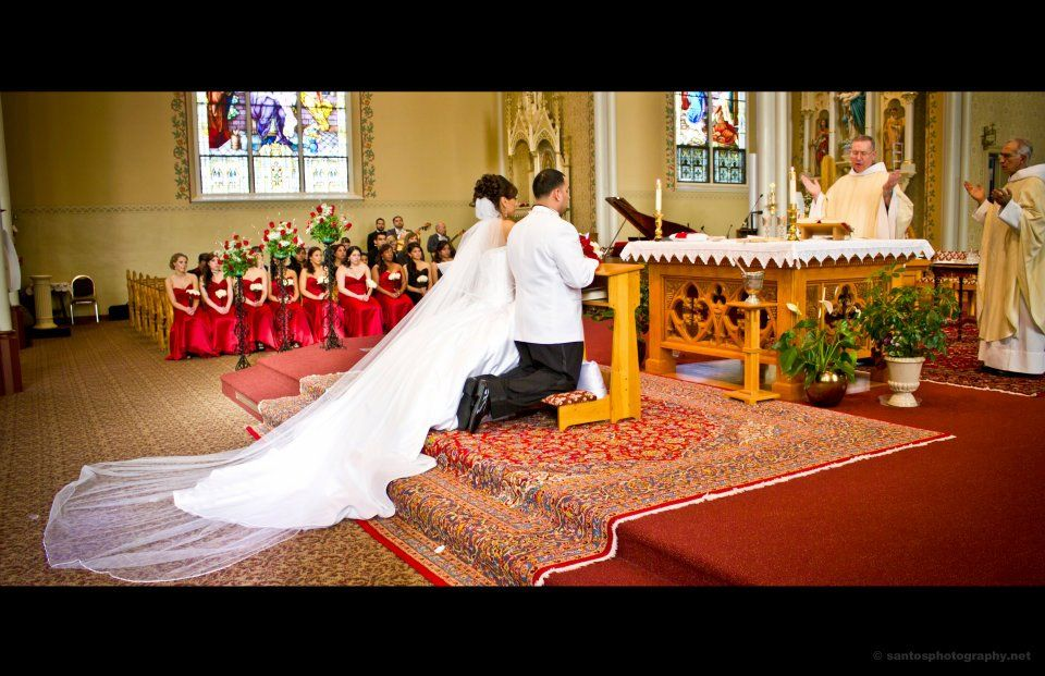 Weddnig, long veil, cathedral wedding, ball gown, important picture
