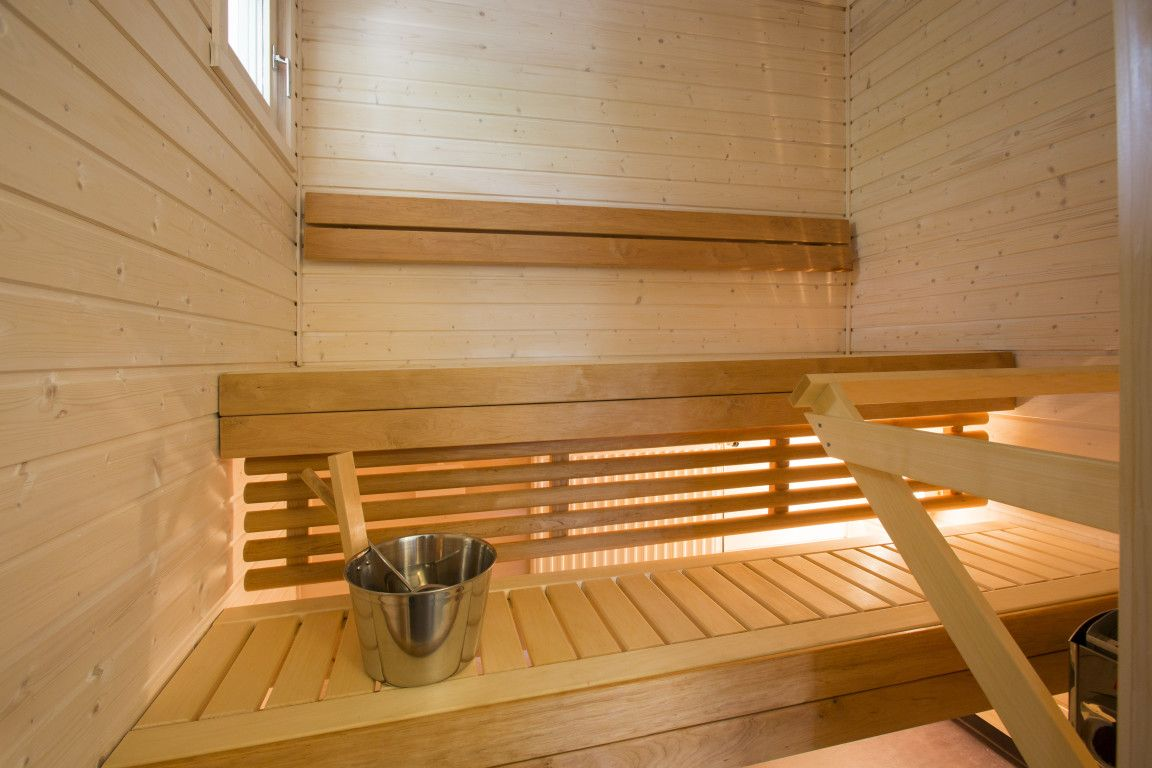 Suvetar, Airiston esittelytalo Paraisilla. (4h+k+s, 101,5 m²)