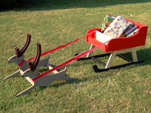 How to Build an Outdoor Santa Sleigh with Reindeer : How-To : DIY Network - How To Build An Outdoor Santa Sleigh With Reindeer Holiday Fun