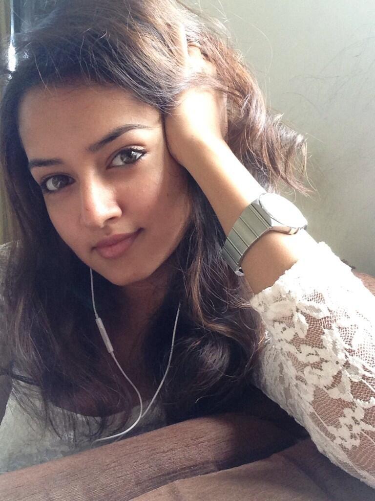 Can hacked teen girl selfie confirm