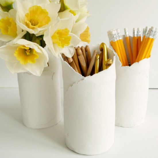 These handy utensil pots are soooo easy to make and showcase the natural finish of air dry clay in a really simple way