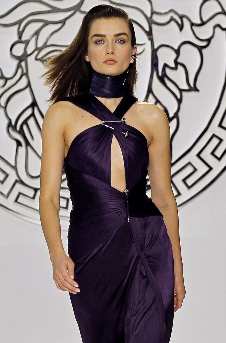 Versace Fall 2013 Ready To Wear Look 50 Up Close Detail Milan