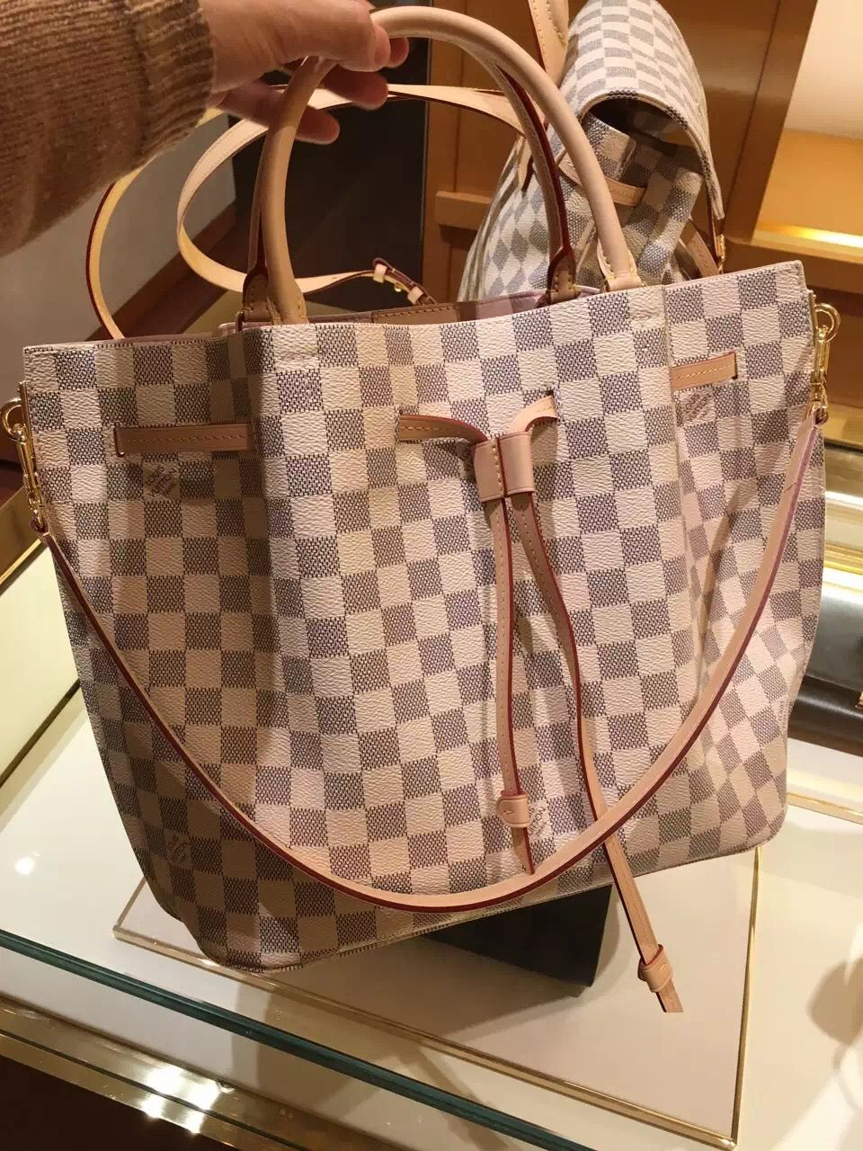 9fd1745f13f8 Louis Vuitton Damier Azur Girolata Bag