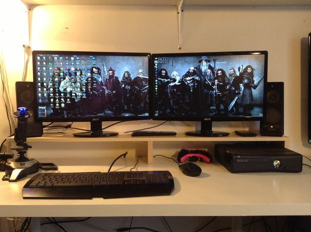 Simple Dual Monitor Stand