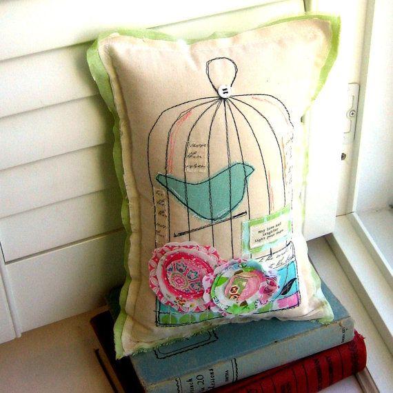 Oreiller, Birdcage oreiller, oreiller Bird, Appliqued nouveauté oreiller, oreiller fleur, tissu Scrap oreiller, oreiller, Soft Sculpture - n° 94