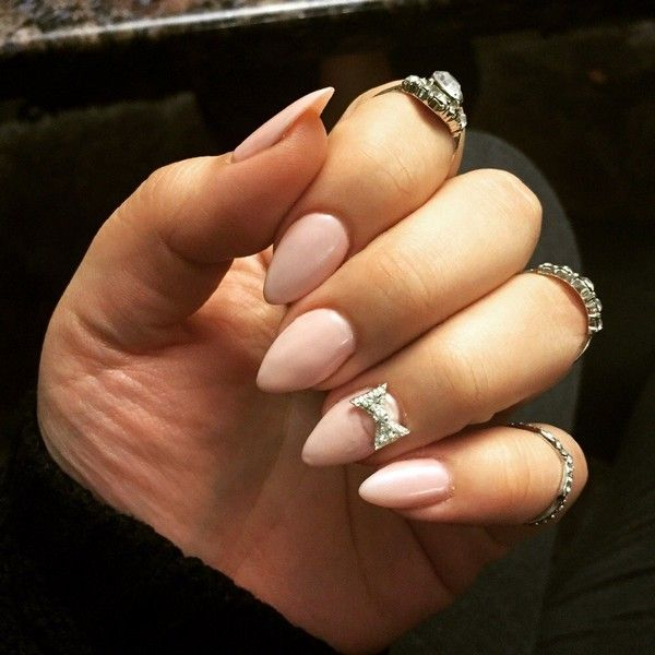 21 Beautiful Short Almond Shaped Nail Designs