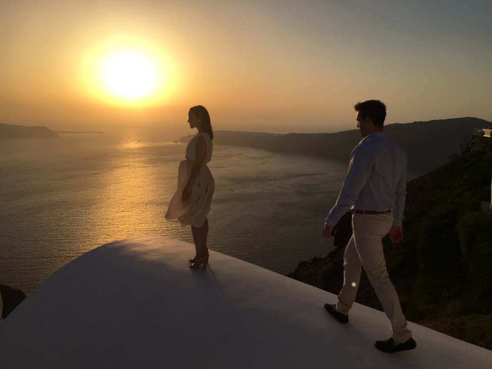 The ultimate romantic destination santorini gracehotels for Romantic getaway ideas for couples