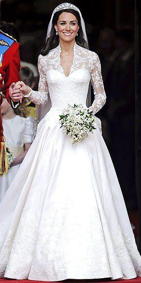 GET ON THE TRAIN em 2020 | Vestido de noiva kate, Vestido de casamento,  Vestido de noiva