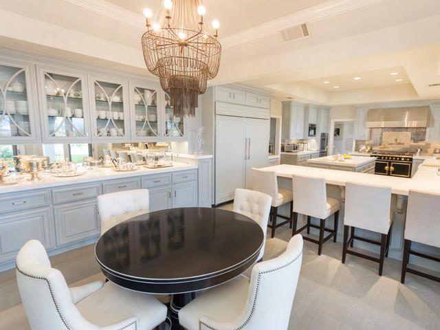 Jennifer Lopez Selling Classy House in Hidden Hills For $17MM