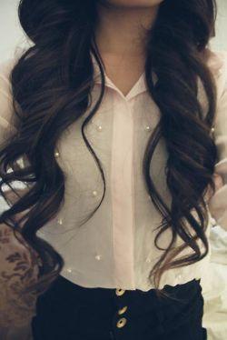 Long hair and loose waves.