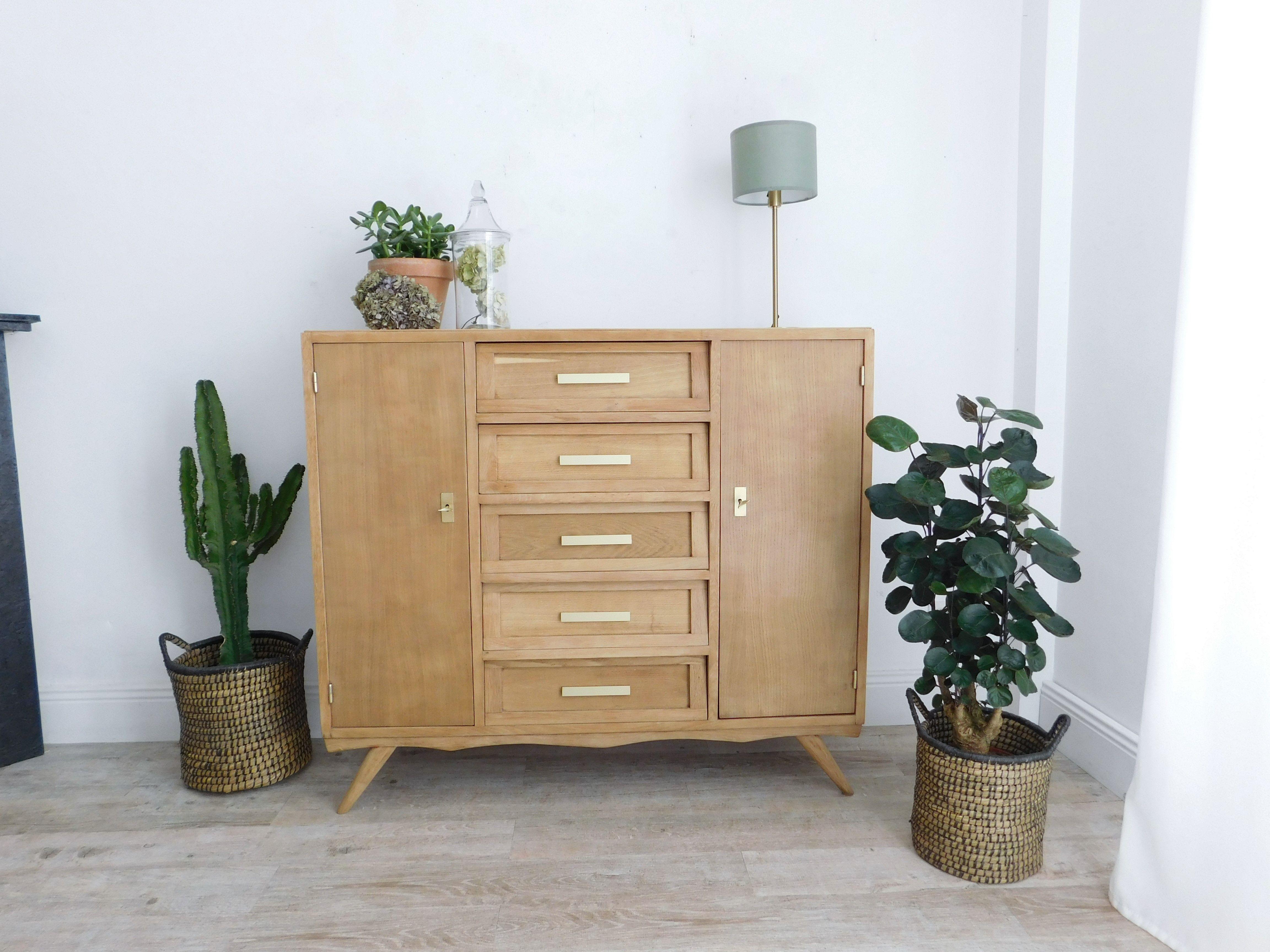 buffet vintage chic brut et or inspirations d co. Black Bedroom Furniture Sets. Home Design Ideas