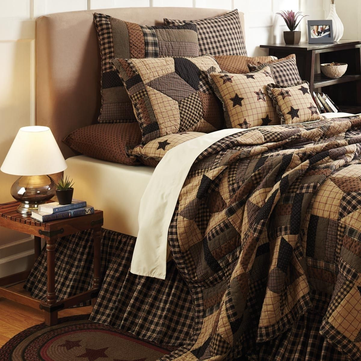 Bingham Star Quilt Black bedding, Primitive bedroom